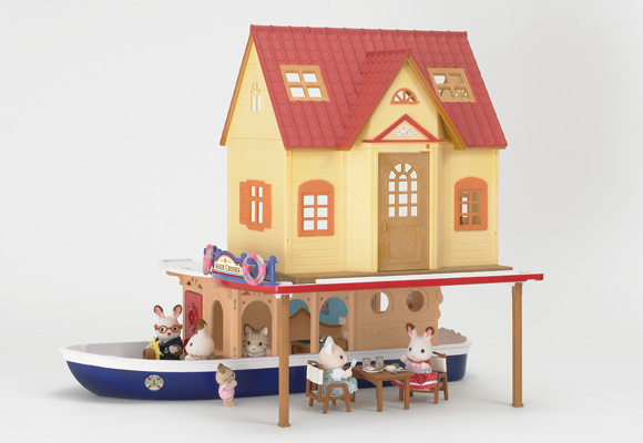 https://www.sylvanianfamilies.com/assets/includes_gl/img/catalog/connect/sylvanian/hazimete_cruiseboat.jpg