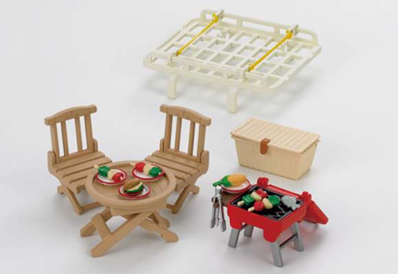 https://www.sylvanianfamilies.com/assets/includes_gl/img/catalog/connect/sylvanian/picnic.jpg