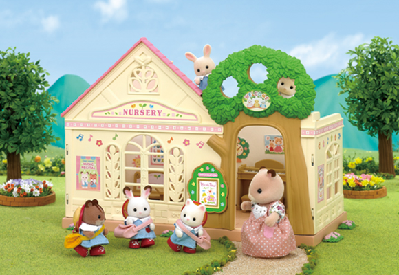 https://www.sylvanianfamilies.com/assets/includes_gl/img/catalog/connect/sylvanian/youchien.jpg