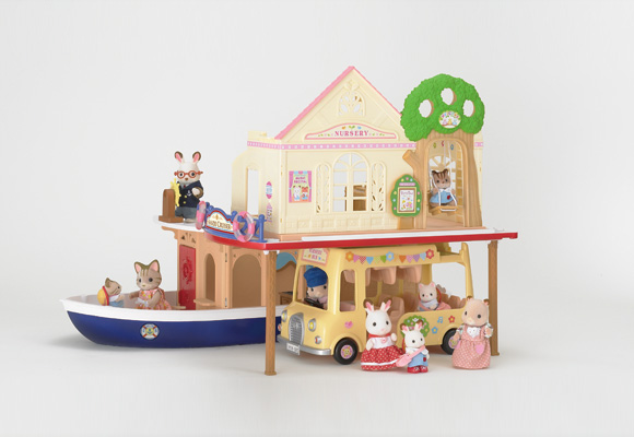 https://www.sylvanianfamilies.com/assets/includes_gl/img/catalog/connect/sylvanian/youchien_cruiseboat.jpg